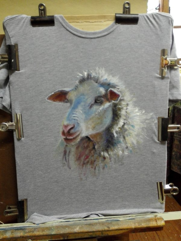 T'shirt & sheep